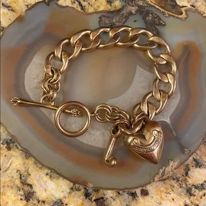 Heart Juicy Couture gold tone chain bracelet GUC